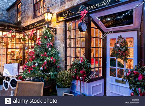 shops decorated for christmas bakewell derbyshire