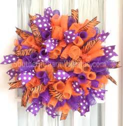 how to make a mesh wreath with two colors mesh ribbon wreath out these