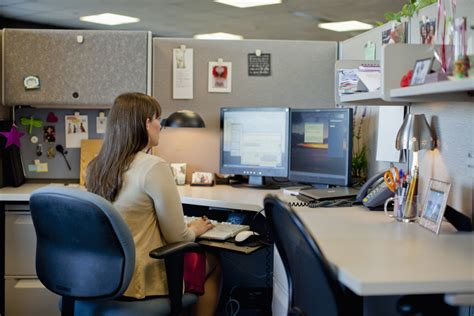 At Work Ideas - 10 easy cubicle upgrades careers us news