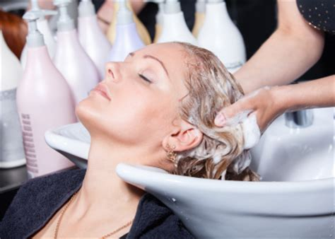 is it better not to wash your hair before coloring pering at the hair salon and customer service