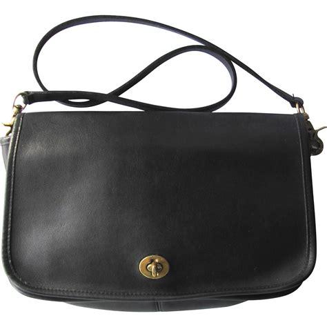 Charleskeith Mini City Bag Original coach classic city bag black white