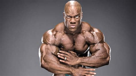 how much does phil heath bench train like a mr olympia ch muscle fitness