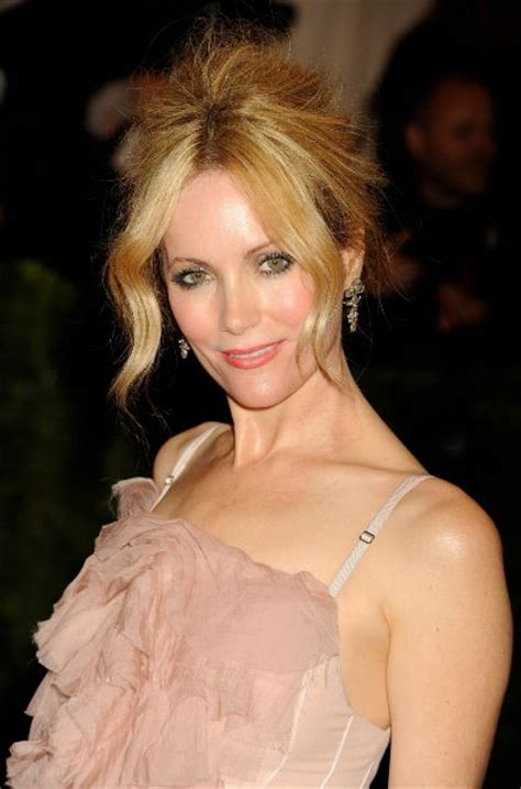 40 Meters To Feet by Leslie Mann Bra Size Age Weight Height Measurements
