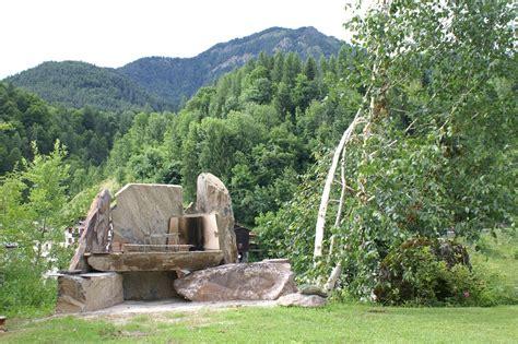barbecue per giardino barbecue in pietra nel giardino fiorito di orserose chalet