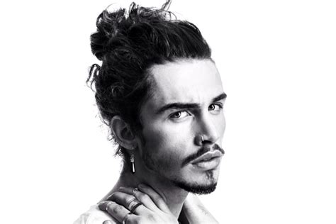 best way to wear longer hair behind the ears man buns how to wear and style a man bun