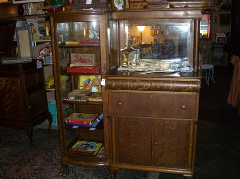Antique Hutch Buffet Antique And Retro Furniture The Vintage Buffet And Hutch