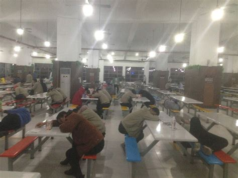 apple factory workers describe harsh conditions at apple supplier