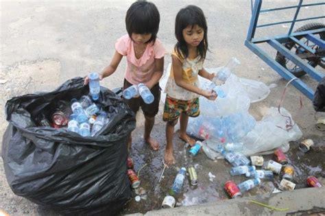 imagenes de niños que trabajan en la calle cada minuto un ni 241 o sufre un accidente laboral