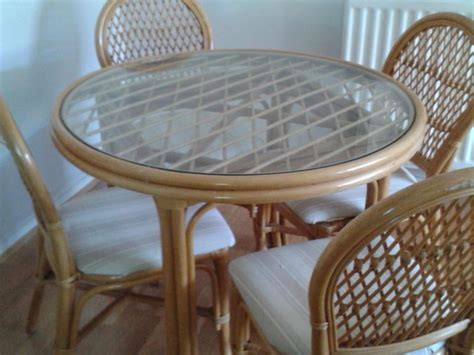 Patio Round Glass Top Table And 4 Chairs Bembridge Glass Top Patio Table And Chairs