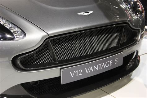 aston martin grill the astons at the autosalon in brussels 187 aston martin com