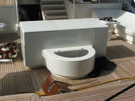 boat livewell insulation huge fishbox and livewell for megasportfish the hull