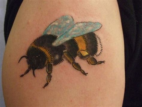 bumble bee tattoo bumble bee tattoos designs ideas and meaning tattoos