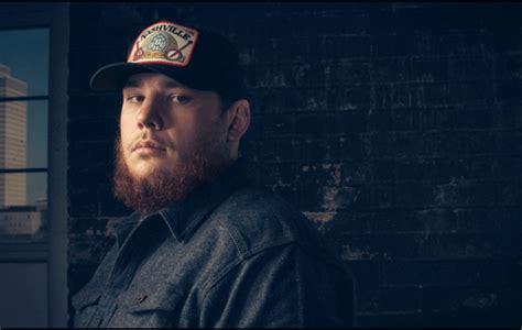 luke combs fan club luke combs annouces deluxe album this one s for you too