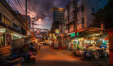 popular thai street food dishes