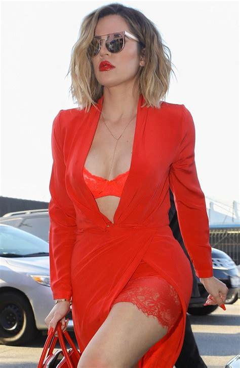 ropa interior roja khloe en ropa interior roja caus 243 furor en los