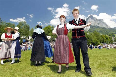 volkstanz in der zentralschweiz lebendige traditionen
