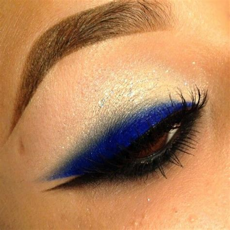 Eyeliner Casandra wing eyeliner black and blue eyeliner makeup