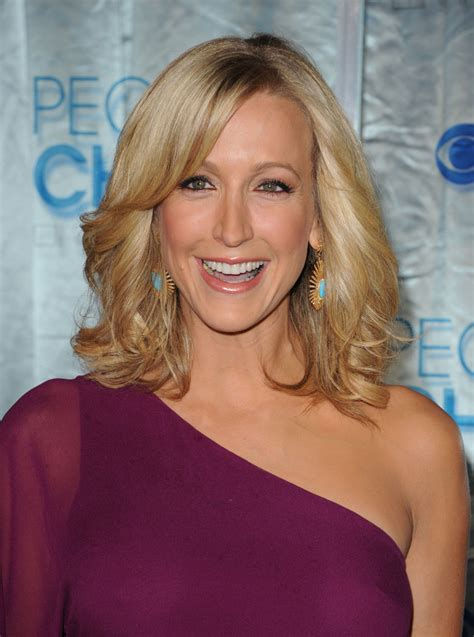 lara spencer lara spencer in 2011 s choice awards arrivals zimbio