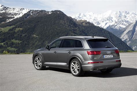 2017 audi q7 deals prices incentives leases overview