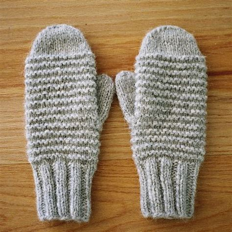 knitting pattern mittens easy ravelry easy knit mittens pattern by lion brand yarn picmia