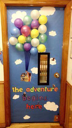 pixar classroom door up disney pixar classroom door decoration classroom stuff 풍선 교실 아이디어 및 유치원