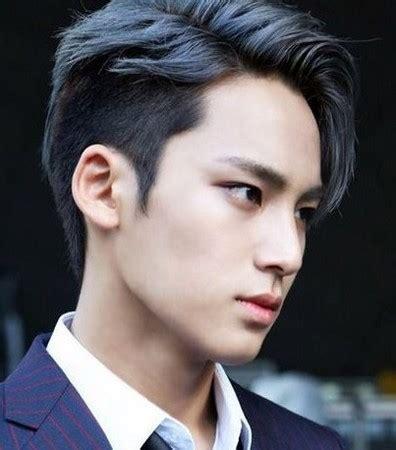 potong rambut pendek model rambut pria korea  gaya