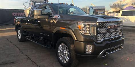2020 Gmc Medium Duty Trucks by Chevrolet S 2019 Medium Duty Truck Trio Vehicle Research
