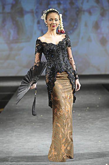 Model Terbaru Dress Tiara And By Eq 17 best images about kebaya batik on traditional models and wedding