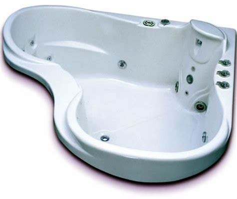 heart shaped bathtub heart shaped whirlpool bath from vita bath le magnifique