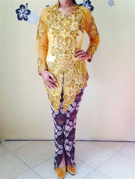 Kebaya Shanghai Warna Gold kebaya pengantin modern warna gold emas dan rok batik wiru