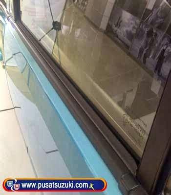 Karet Pembersih Kaca Mobil perawatan karet di mobil agar elastis dealer mobil