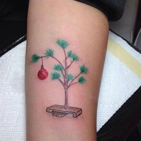 christmas tree tattoo 25 best ideas about on