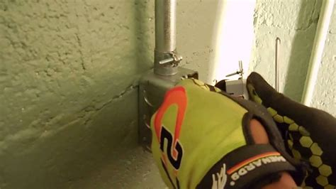 how to wire 110v outlet