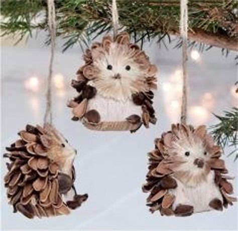 crafts with pinecones 25 best ideas about pinecone ornaments on