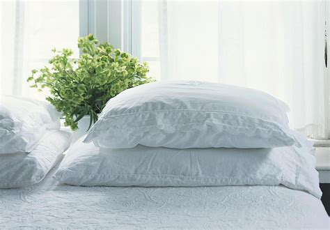 bed pillow types fills firmness and sizes
