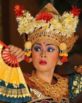 Kaos Lemah Gemulai Kata Kata aneka tarian daerah di indonesia