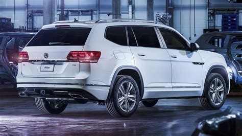 volkswagen atlas white interior 2018 volkswagen atlas r line design and interior youtube