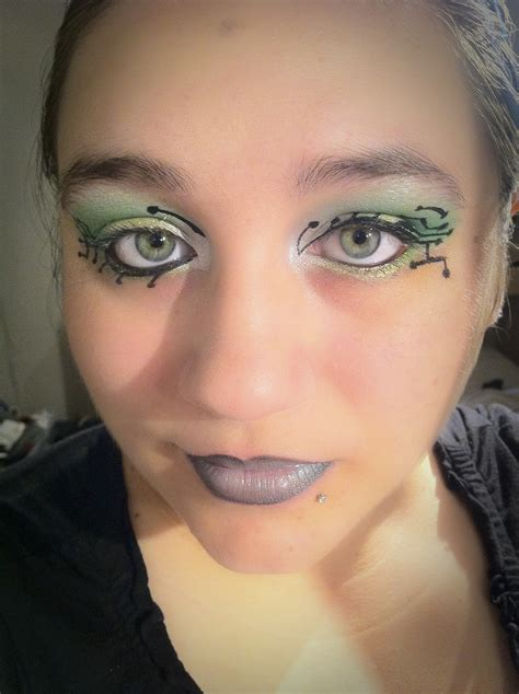 Maskara Eyeliner arab makeup color me bright