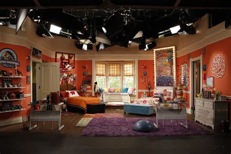 liv and maddies bedroom get liv maddie s half sporty half girly room m magazine
