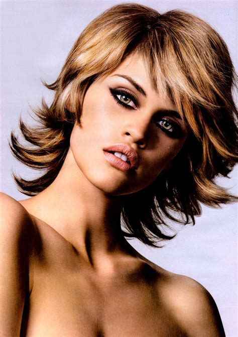 ucesy polodlhe scurl and cut pictures woman short hairstyle 2013