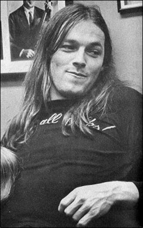 cheerful cynicism: Shameless ogling: David Gilmour