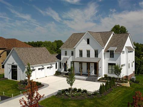 modern farmouse 25 best 3 pillar homes ideas on house plans