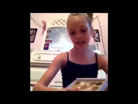 makeup tutorial mackenzie ziegler maddie ziegler first make up tutorial youtube