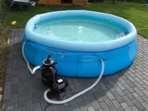 schwimmbecken im garten swimming pool zum aufstellen im garten kosten