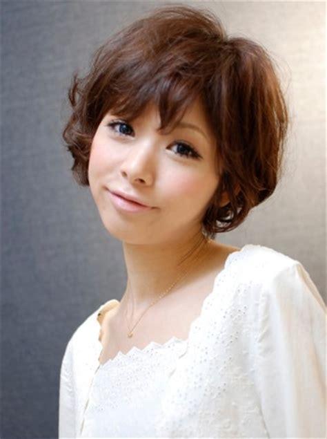 japanese hairstyles for women over 50 coupes de cheveux pour de courtes cheveux ondul 233 s 2015