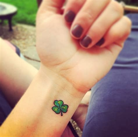 small shamrock tattoo tiny leaf clover pictures to pin on tattooskid