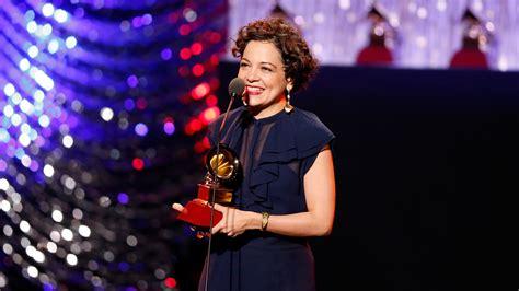 Grammy 2018 Lista Completa De Ganadores Todo Incluido Revista Grammy 2015 Lista Completa De Todos Los Ganadores Telemundo