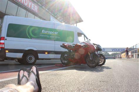 Europcar Motorradtransport by Motorradtransport Im Transporter So Gehts Motorradblogger