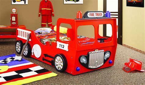 autobett feuerwehr truck bett kinderbett feuerwehrbett kinderbett autobett in rot themenbett
