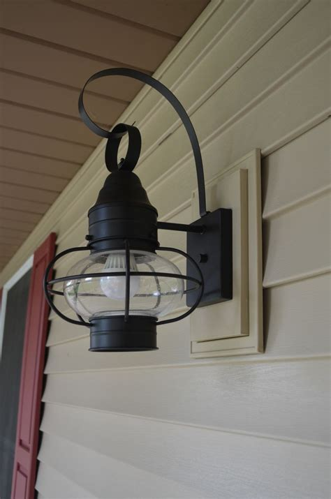 Mounting Outdoor Lights Norandex Sterling Deluxe Vinyl Siding In Sandstone With Matching Mounting Block For Outdoor